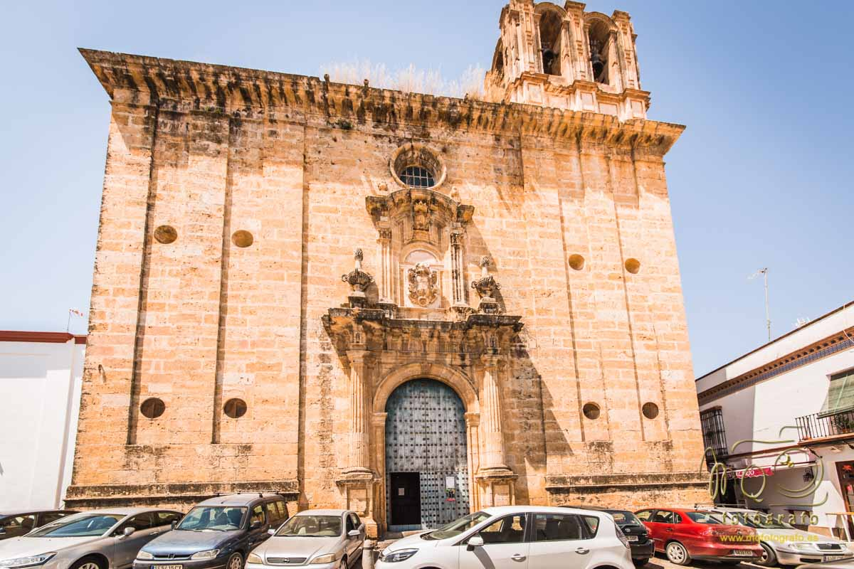 fachada de la iglesia del Salvador de Carmona