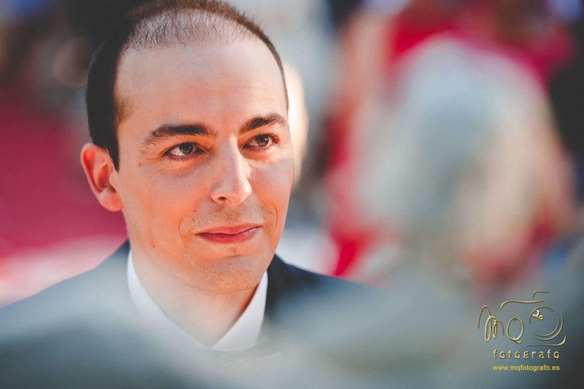 Retrato del novio en la boda